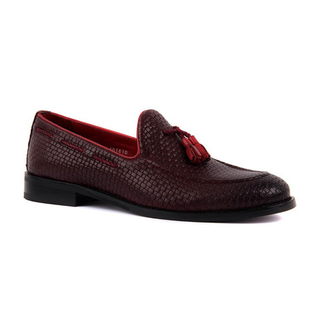 Easton Hosting Scorpion Loafers // Burgundy (Euro: 39)