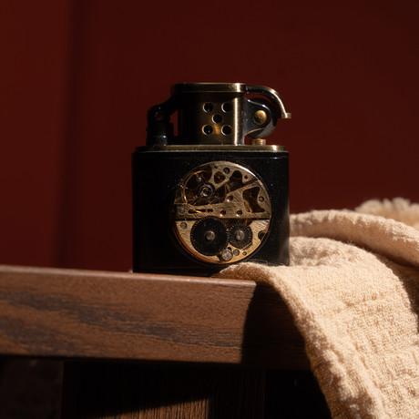 Golden Brass Carved Lift Arm Kerosene Lighter (Black)