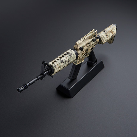 M4A1 1:4 Scale Diecast Metal Model Gun + Display Stand // ACU