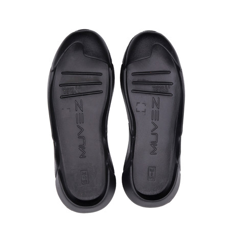 Outsole // Black (US: 9)