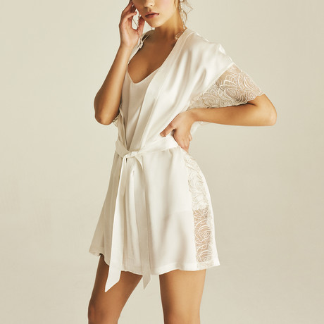 Eluria Lace Robe // Cream (XS)