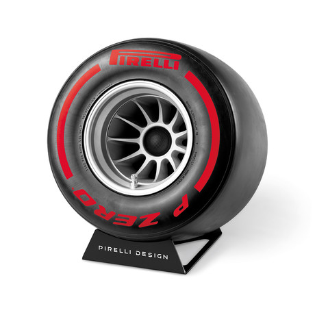 Pirelli // Red
