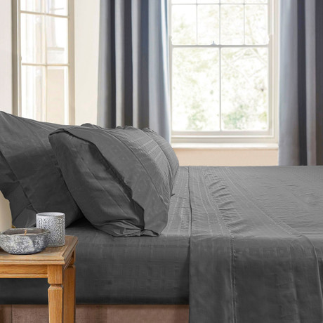 Gabriella Milano Bedsheets // Silver-Squares (California King)