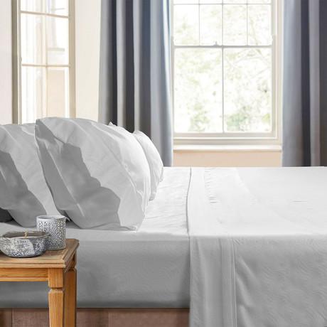 Gabriella Milano Bedsheets // White-Waves (Twin)