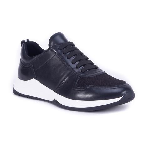 Graysen Shoe // Black (US: 7)