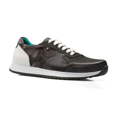 Roger Low Top Runner // Gray (Euro: 39)