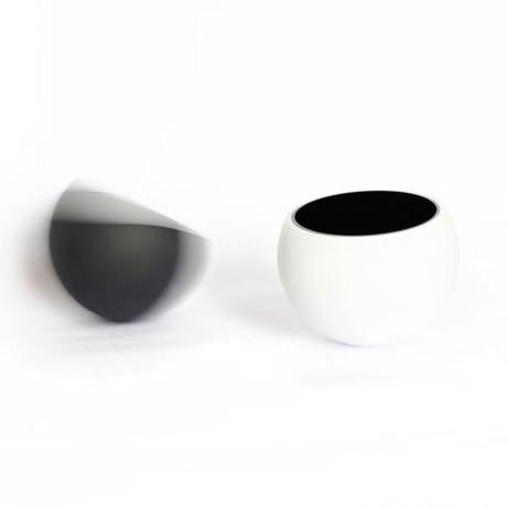Molecula Bowl // White Outside/Black Inside
