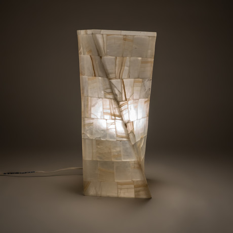 Onyx Twist Table Lamp