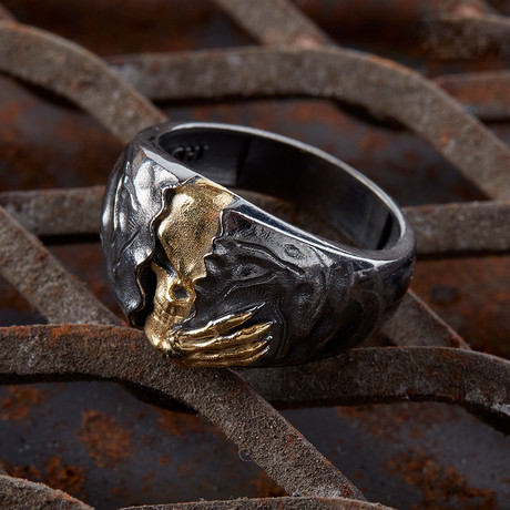 Skull With 1 Hand // Black + Gold (10)