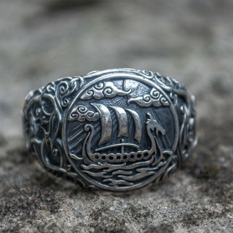 Viking Collection // Urnes Ornament + Viking Ship Ring (5)