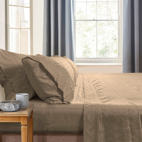 Gabriella Milano Bedsheets // Beige-Squares (Twin)