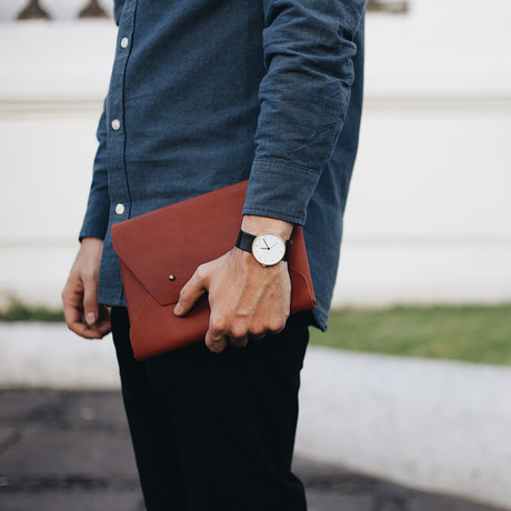 Seamless Leather Clutch (Natural Brown)