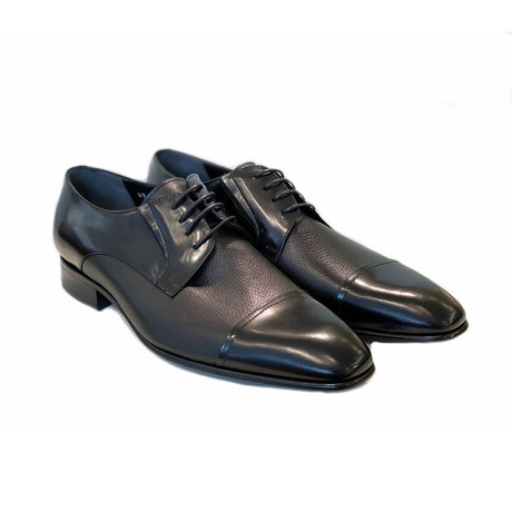 Plain Cap Toe // Black (US: 7)