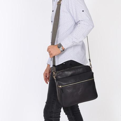 Daine Messenger Bag // Black
