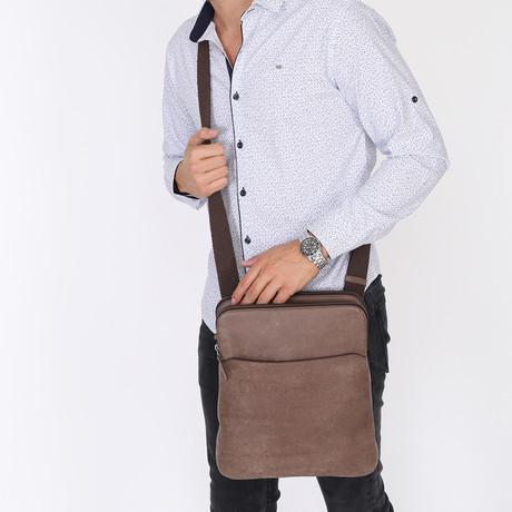 Aleron Messenger Bag // Brown