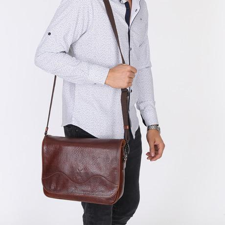 Imera Messenger Bag // Brown