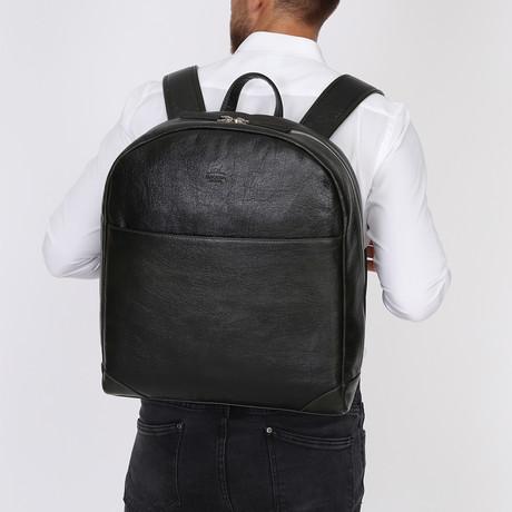 Fero Backpack // Black