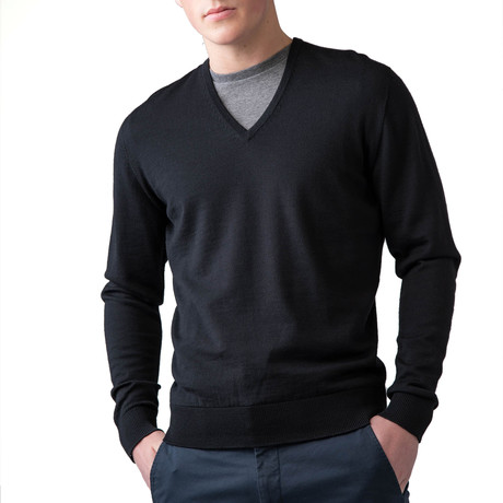 Merino Wool V-Neck Sweater // Black (XS)