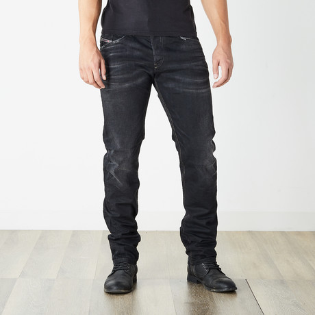 "Belther Reg Slim Tapered Jeans // Black // 32"" Inseam (26WX32L)"