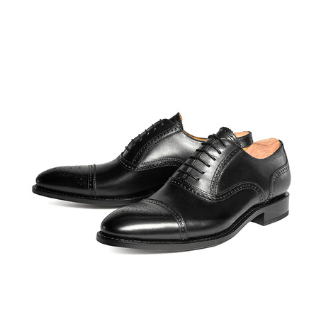 Howard Cap-Toe // Black (US: 7)