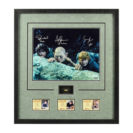 Lord of the Rings // Framed Photo + Special Edition Lord of the Rings Engraved Collectors Ring