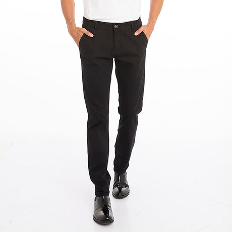 Dave Pants // Black (30WX32L)