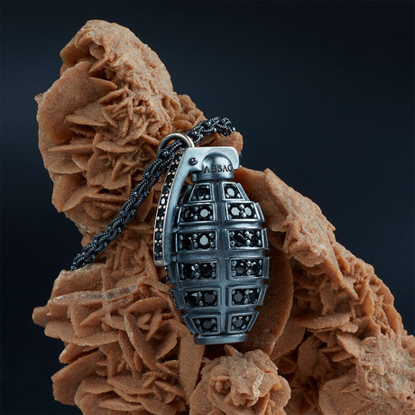 GKL0084 // Grenade Necklace // Black + Black (XS-S)