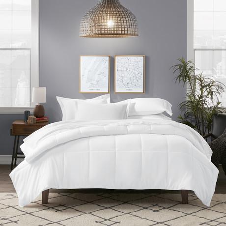All Season Premium Down Alternative Comforter // Bright White (Twin / Twin Extra Long)