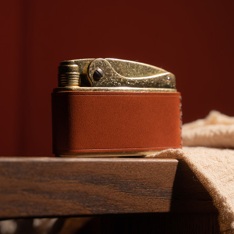 Cowhide Wrapped Kerosene Lighter (Saddlebrown)