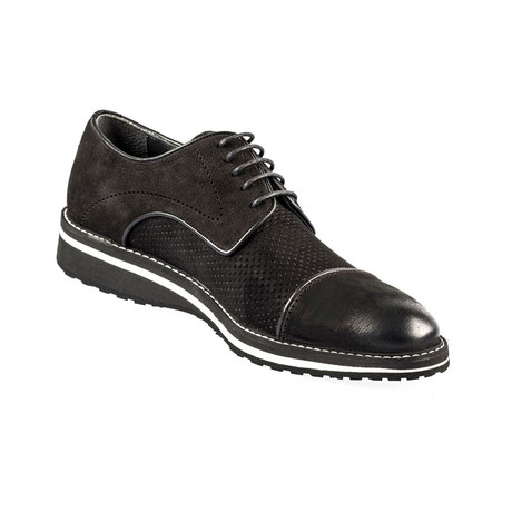 Lauren Classic Shoe // Black Nubuck (Euro: 39)