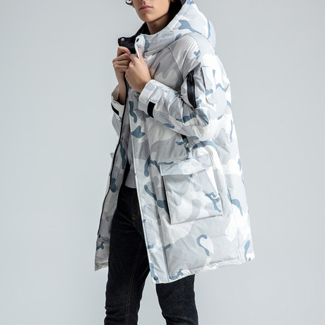 Hooded Camouflage Down Jacket // Blue (S)