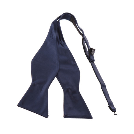 Self-Tie Bow Tie // Solid Navy Blue