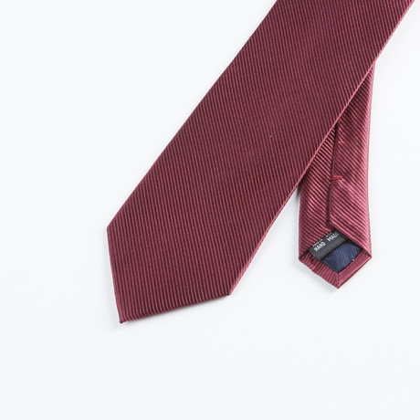 Textured Solid Tie // Burgundy