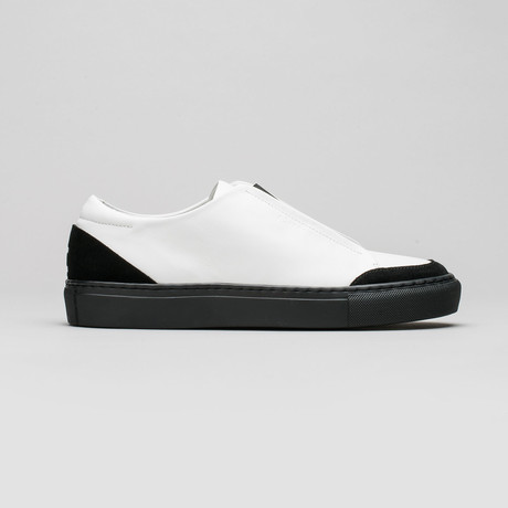 Slip On V6 // White Leather + Black (Euro: 40)
