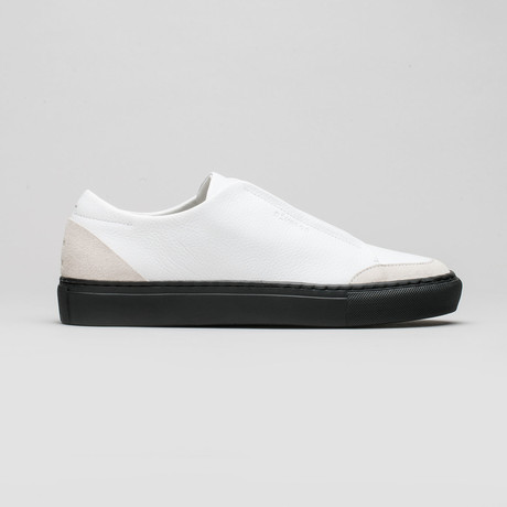 Slip On V5 // Snow White Floater + Black (Euro: 40)