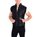 Chris Vest // Black Camo (M)