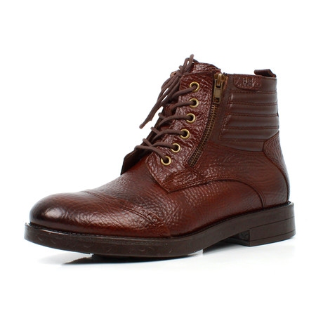 Boots // Brown (Euro: 39)