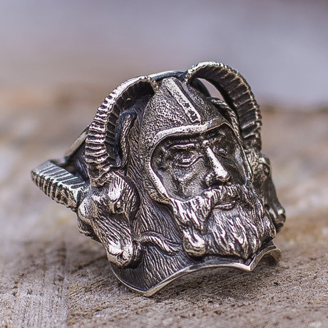 Viking Collection // Thor + Goats Ring (5)