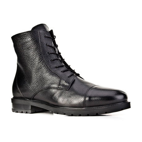 Malcom Boots // Black (Euro: 39)