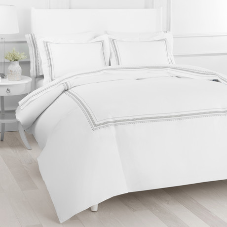 T300 Winsley Embroidered Duvet Set // Gray // King