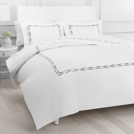 T300 Wavy Stripe Embroidered Duvet Set // Charcoal (Full/Queen)