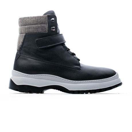 Snow Boot // Black (Euro: 39)