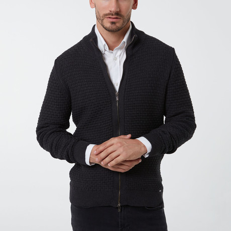 Auden Cavill // Lucca Sweater // Anthracite (XS)