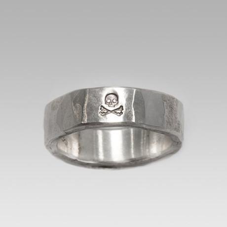 Cross Bone // Sterling Silver (Size 8)