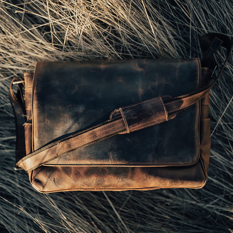 "Kasilof Messenger Bag // Antique Brown (16"")"