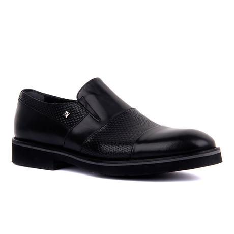 Martius Classic Shoes // Black (Euro: 39)