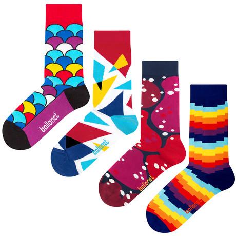 Patterned Socks // Red // 4 Pack (US: 6-9)