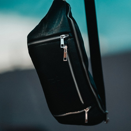 Crossbody Bag // Black