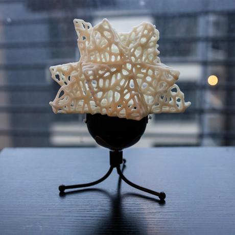 Kinetic Voronoi 3D Printed Lamp