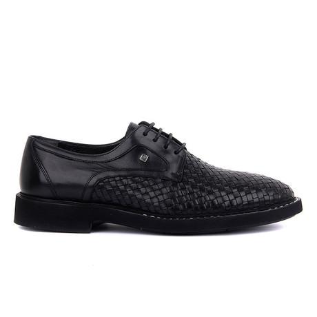 Aloe Classic Shoe // Black (Euro: 39)